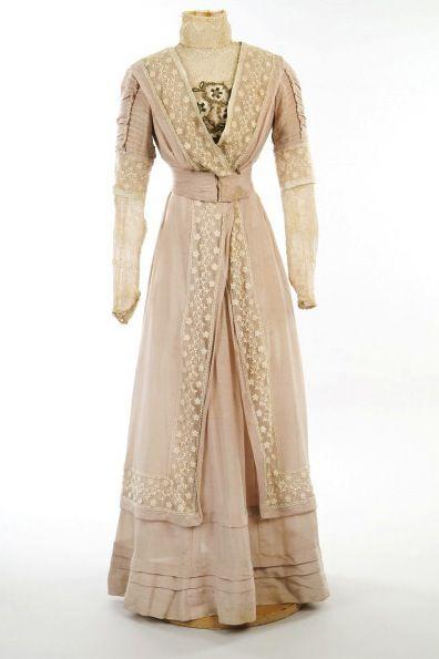 Wedding dress, 1908  From the ABERDEEN ART GALLERY & MUSEUMS
