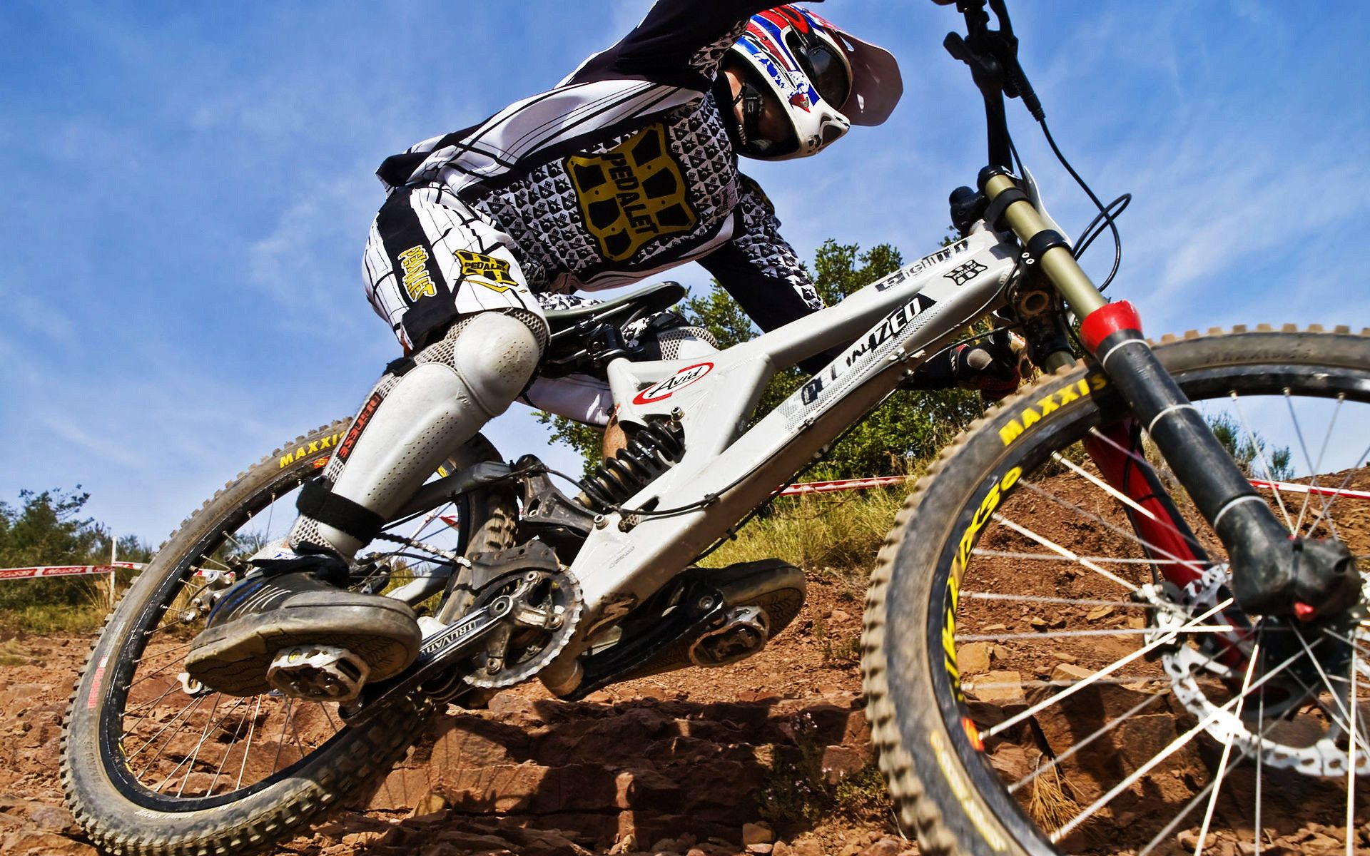 1920x1200 1920x1200 In 2019 Bicycle Bicycle Race Downhill Bike