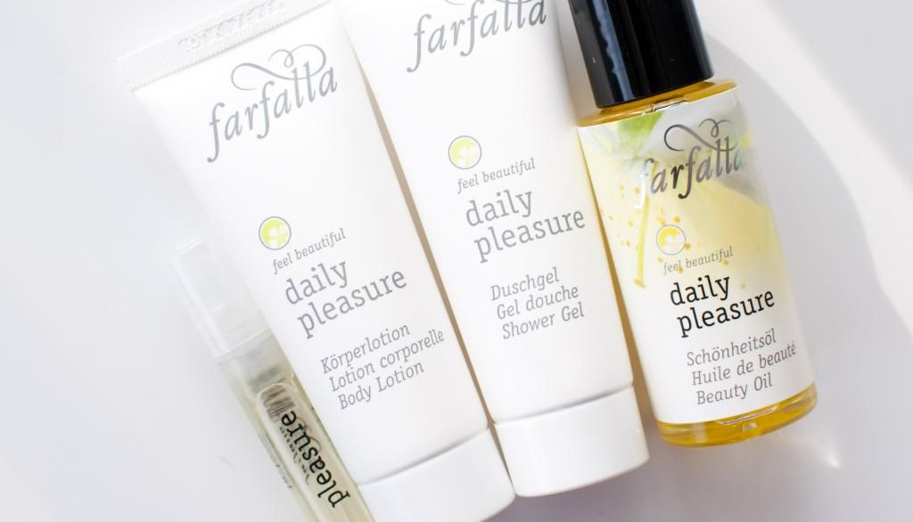 {Review} Farfalla Daily Pleasure travelset weekendset #vegan #natuurcosmetica #bio #natrue #dierproefvrij