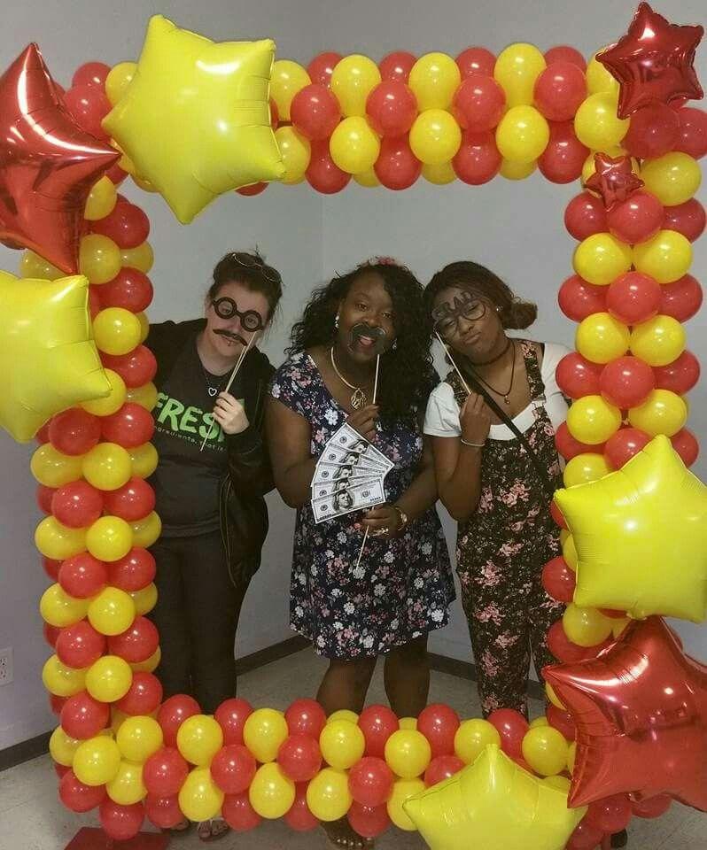 Balloon photo frame by bello balloon designs party