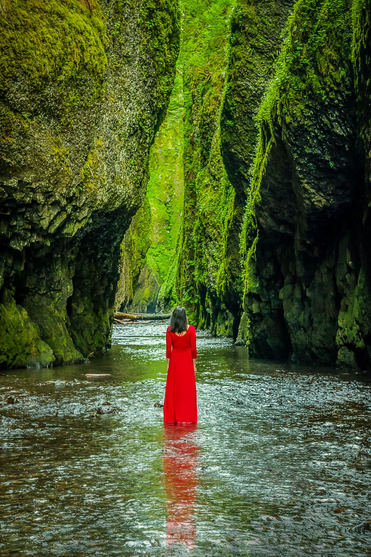 Lady in Red, Oneanta Gorge by Attilio Ruffo on 500px  )