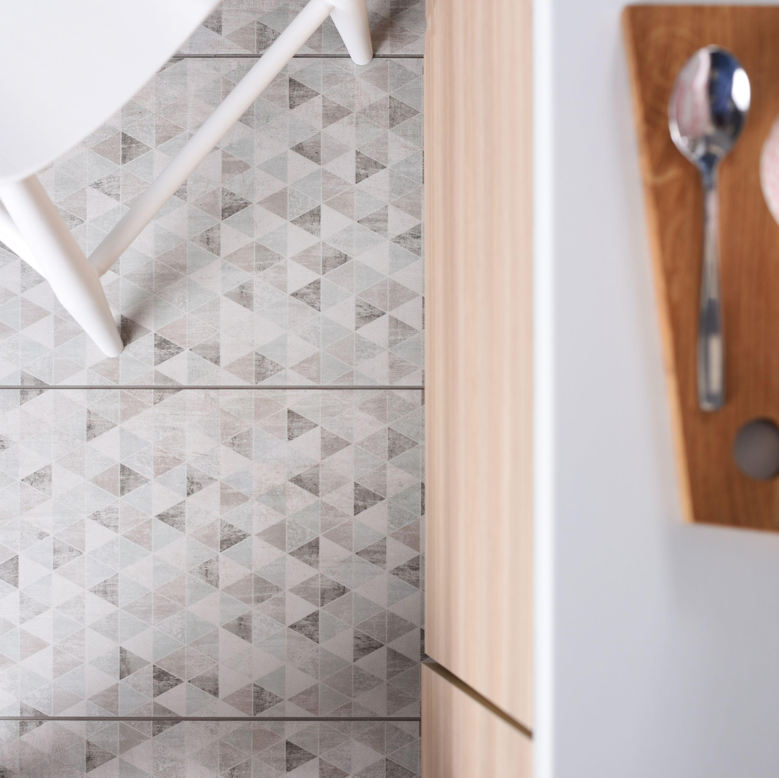 Kalme Tegels Met Driehoekjes Tegels Witte Lambrisering Vloertegels