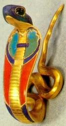 La cobra fue símbolo de resurrección y de nueva vida, estaba relacionada con la diosa Wadyet o Uto (diosa Cobra) y ligado a los mitos solares del tránsito del Sol por el cielo y el inframundo. Era además el símbolo del ureo, emblema y protector del faraón. También fue protectora del Bajo Egipto y se le adoraba especialmente en Buto.