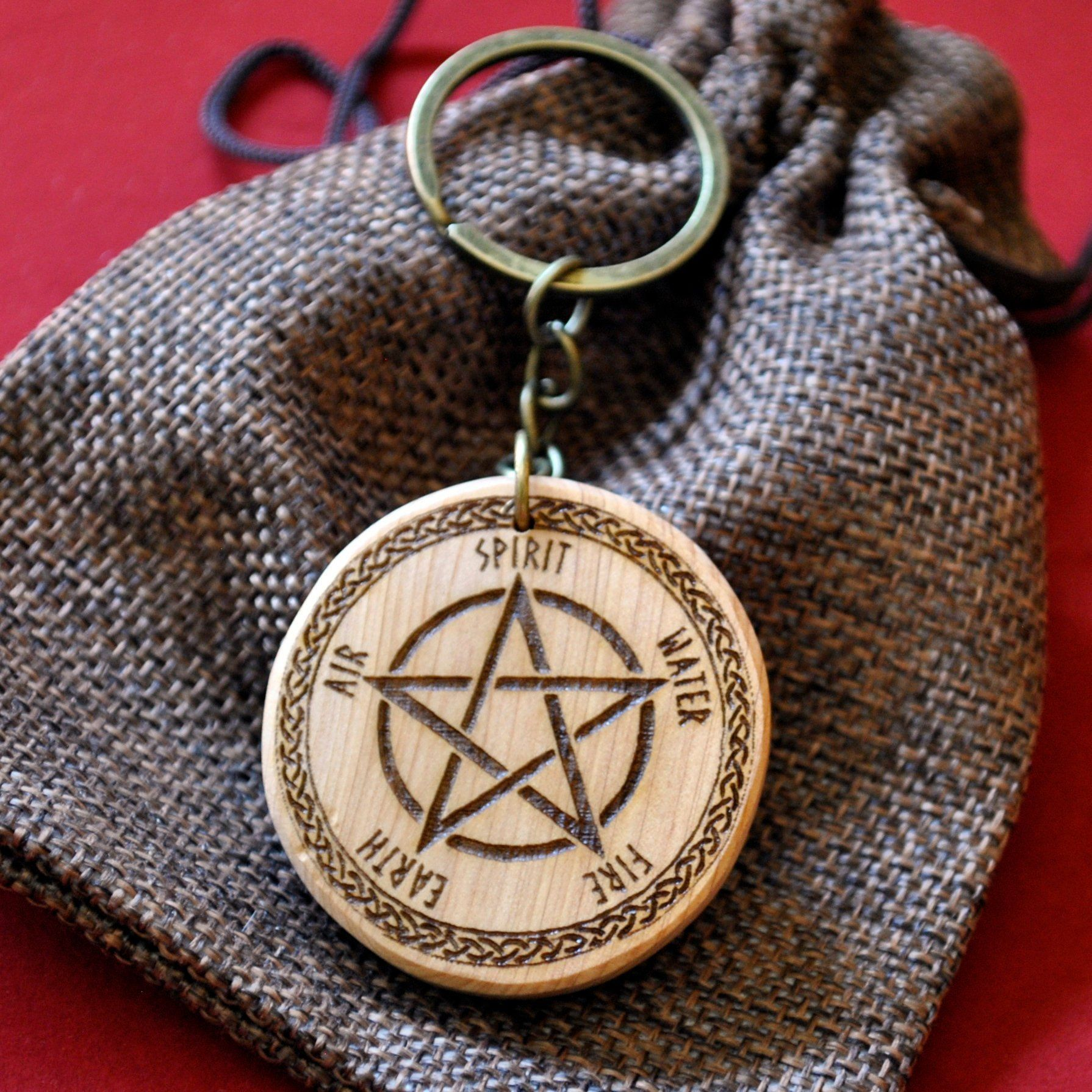 Pyro-recorded enebro root pendant Five-pointed star Pentacle Wicca Pendant Wicca Talisman Amulet