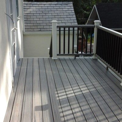Second Story Deck Done In Trex Transcend Island Mist Using Hidden