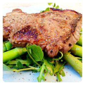 Paleo Lemon & Garlic Steak with Rocket &Asparagus