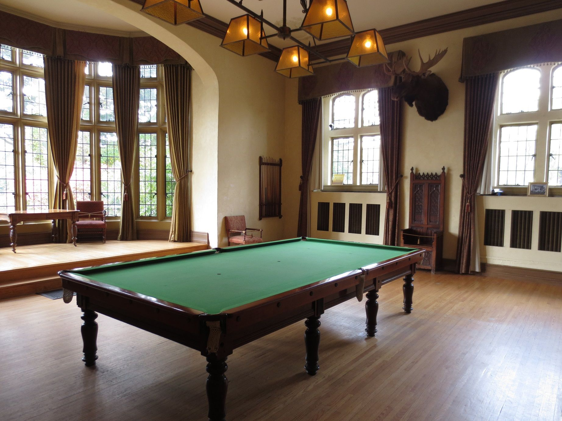 Mansion pool table casa loma toronto source http www for Casa loma mansion toronto
