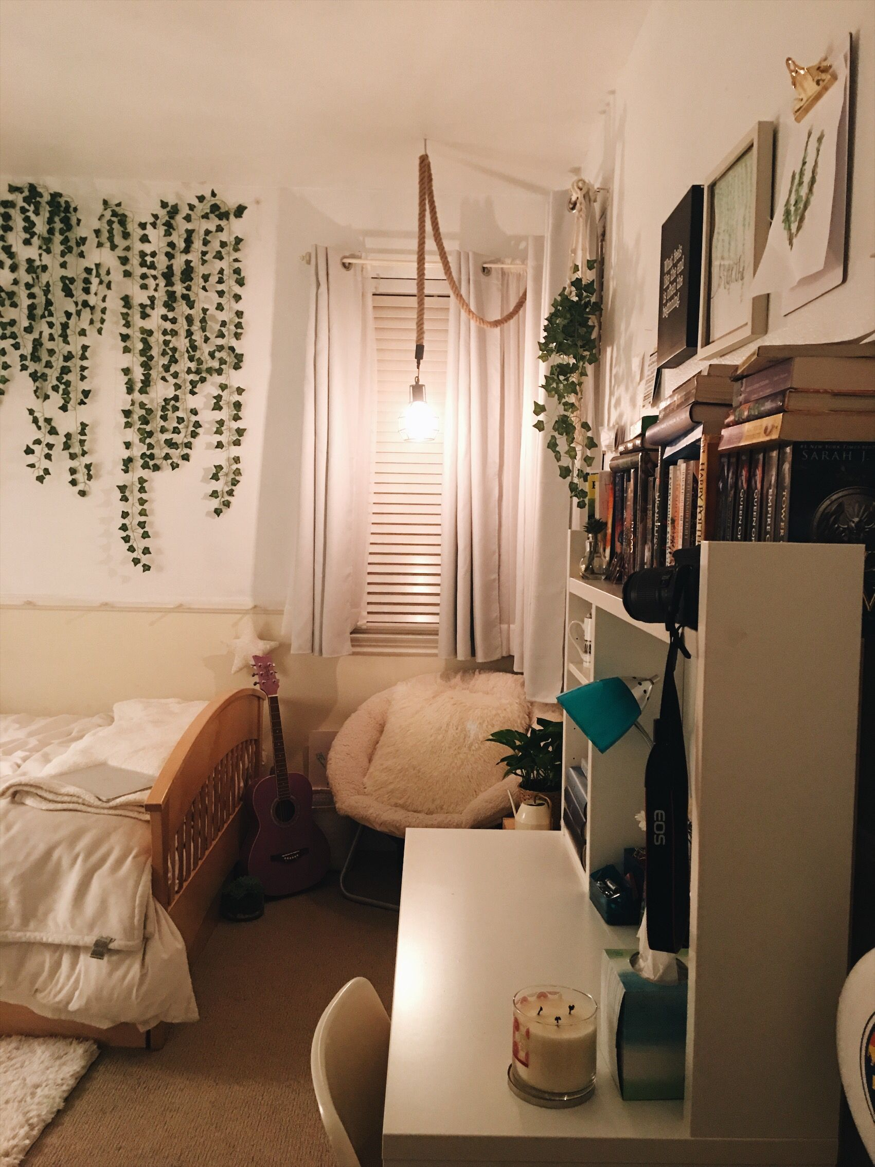 I pretty much finished my room and I'm in love? | Dorm ... on Room Decor Ideas De Cuartos Aesthetic id=59715