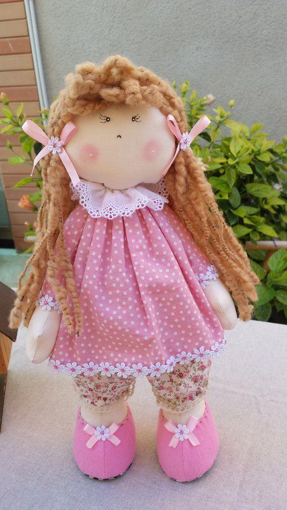 Bambole di stoffa fatte a mano | Bambole di stoffa, Bambole e