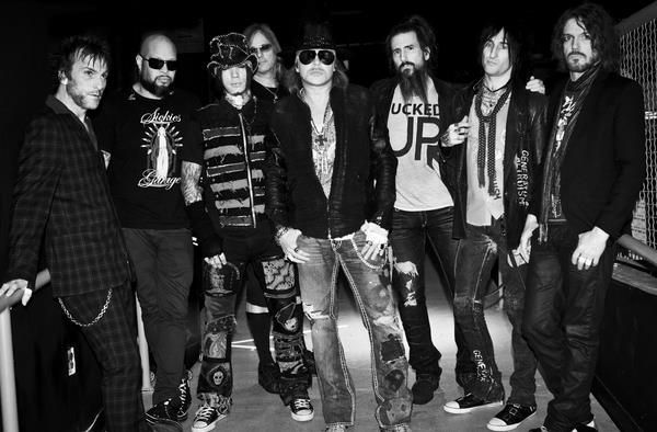 Ex-Guns N' Roses Member Reveals Why Axl Rose 'Wasn't Happy' With ...