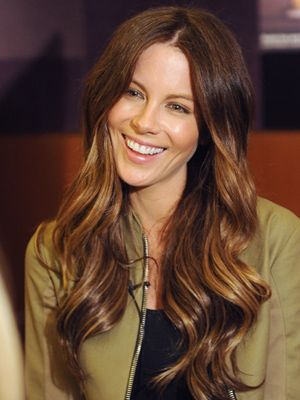 Perfectly Subtle Ombre In Cascading Curls On Katebeckin More Hair Dailybeauty Http Bit Ly Znhnjk