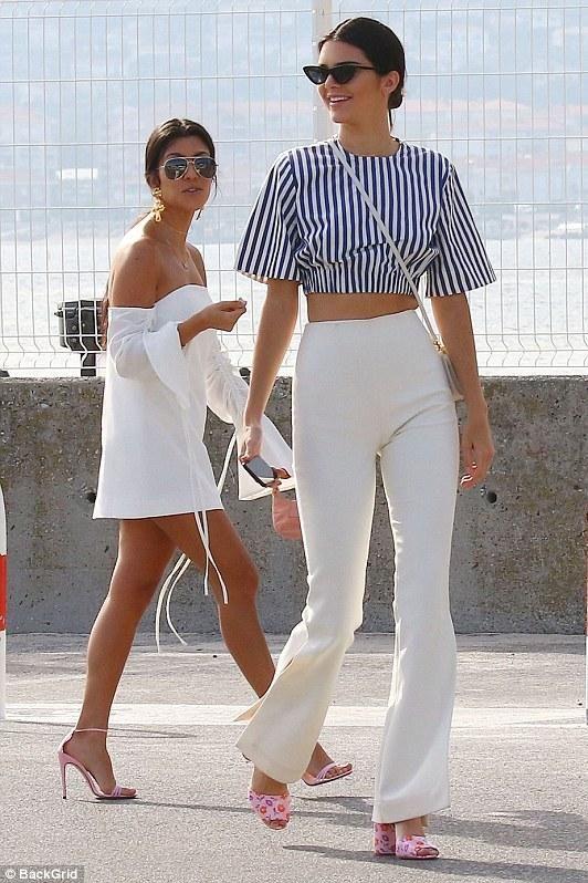 530ed1a1793c Kendall Jenner wearing Le Specs X Adam Selman the Last Lolita Sunglasses