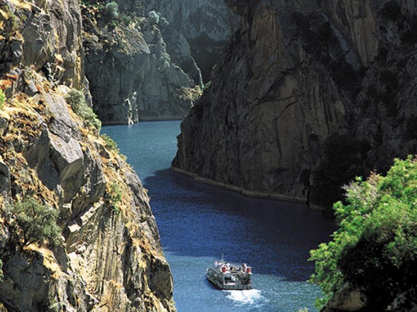 Paseo en barco por los Arribes del Duero - Centraldereservas.com