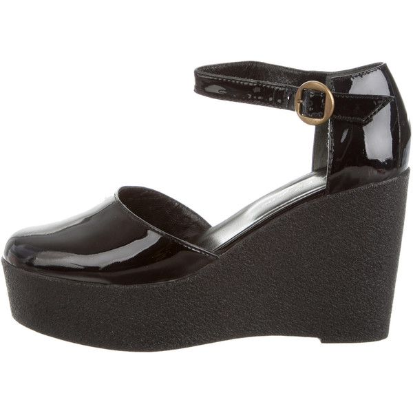 Robert Clergerie Patent Leather Platform Wedges (2.085 ARS) ❤ liked on Polyvore featuring shoes, black, platform wedge shoes, round toe shoes, robert clergerie, robert clergerie shoes and round cap
