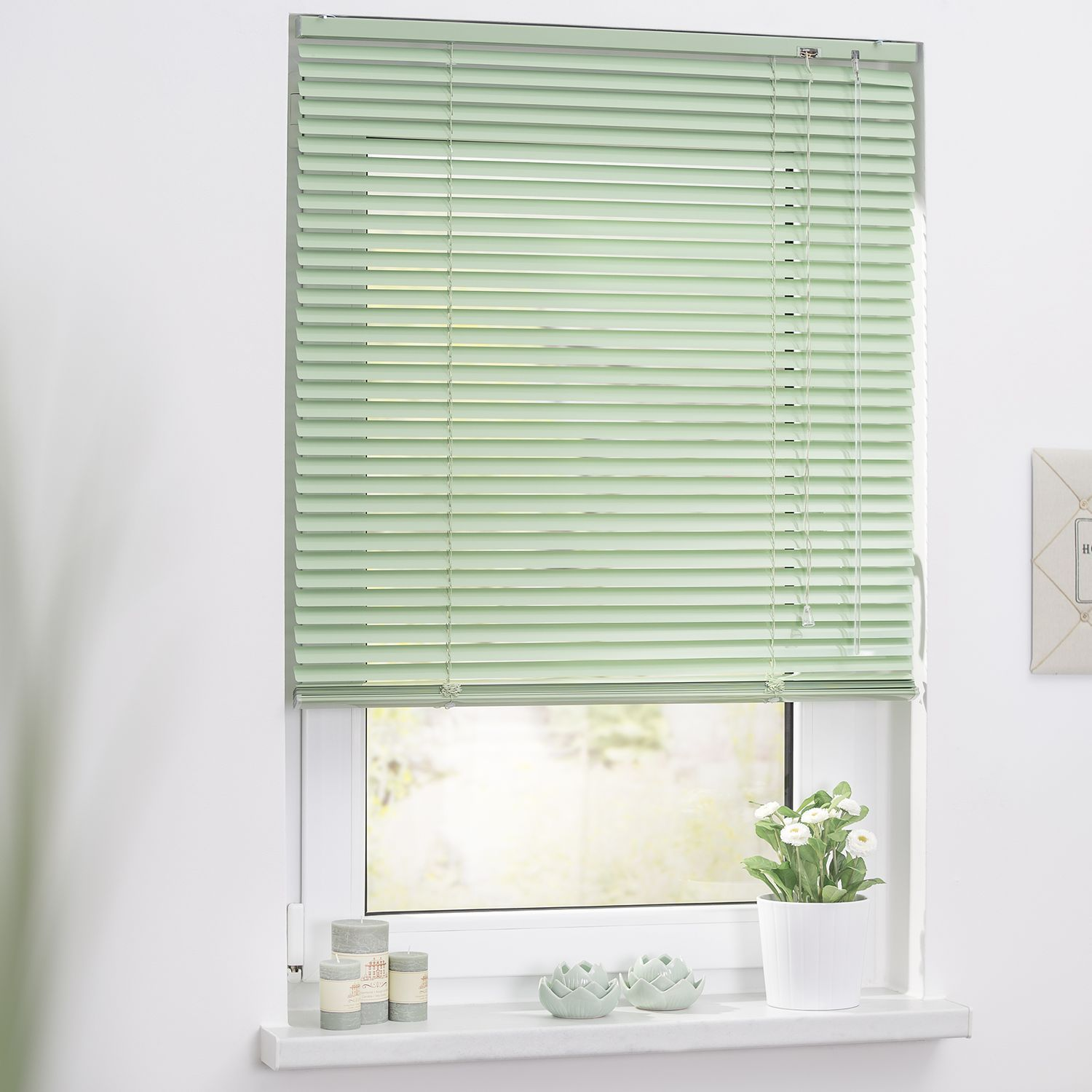Hottest Absolutely Free Roman Blinds With Shutters Tips Roman Blinds Are A Well Known Favourite Among Co Jalousien Jalousie Dachfenster Fensterrollos