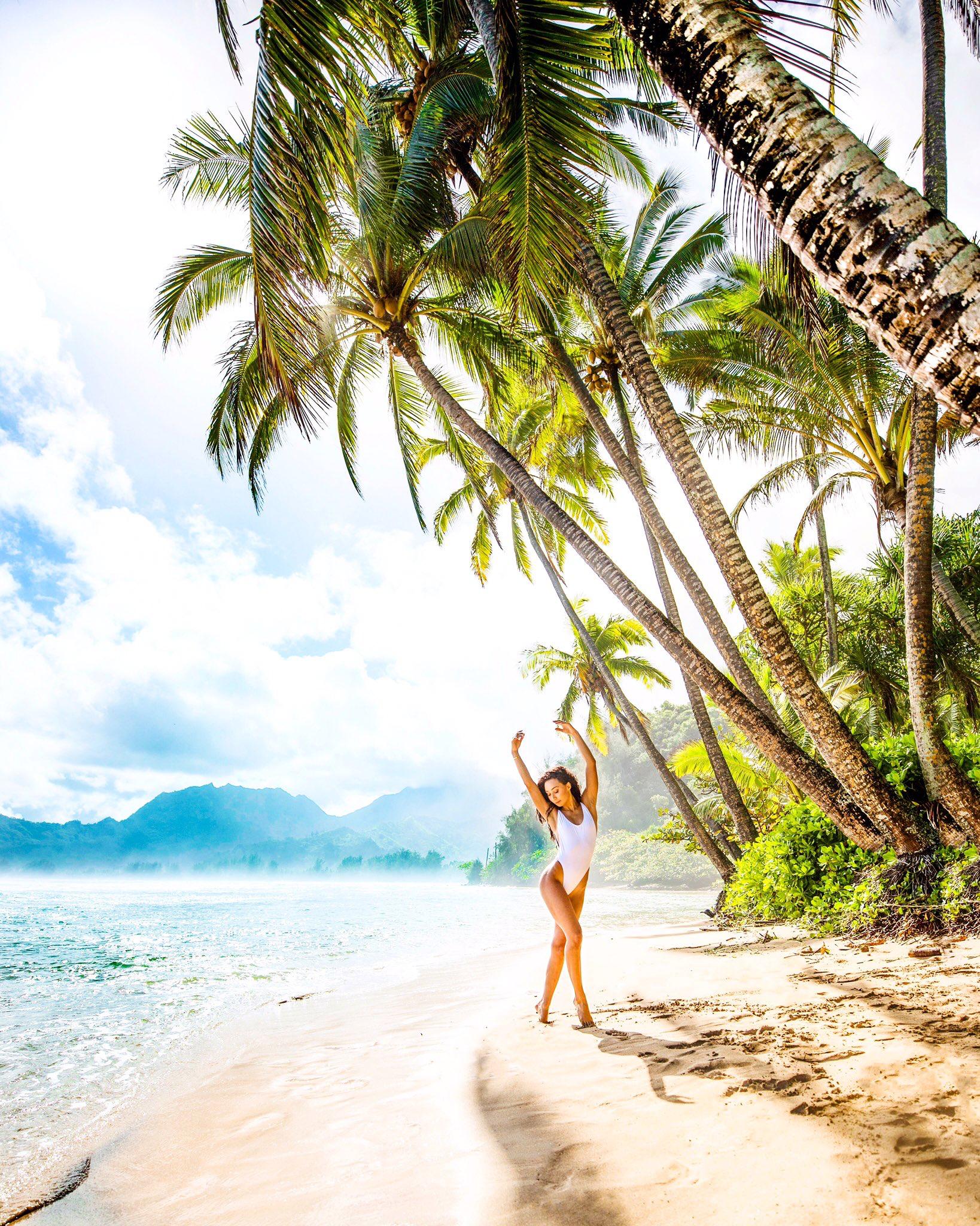 фото автомобили картинки отдых на море у пальмы как символ веры