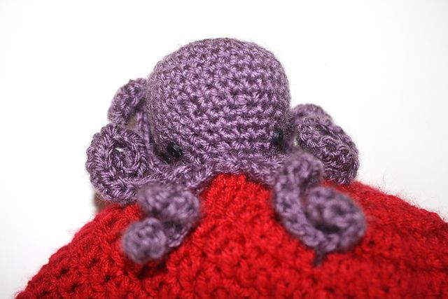 Ravelry: Hockeytown Octopus pattern by Maggie Haveman-Gould ...