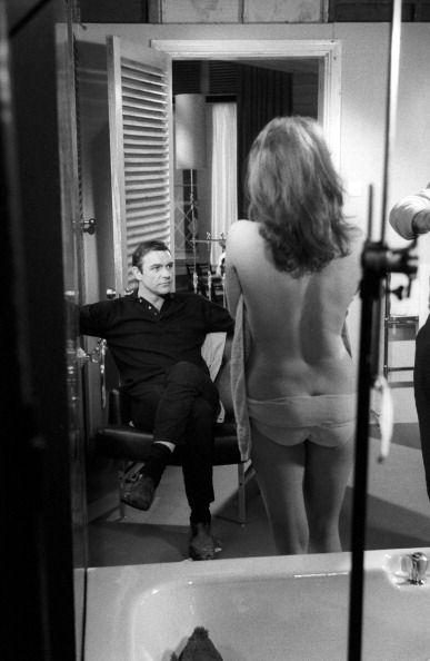 James bond bathtub scene idea