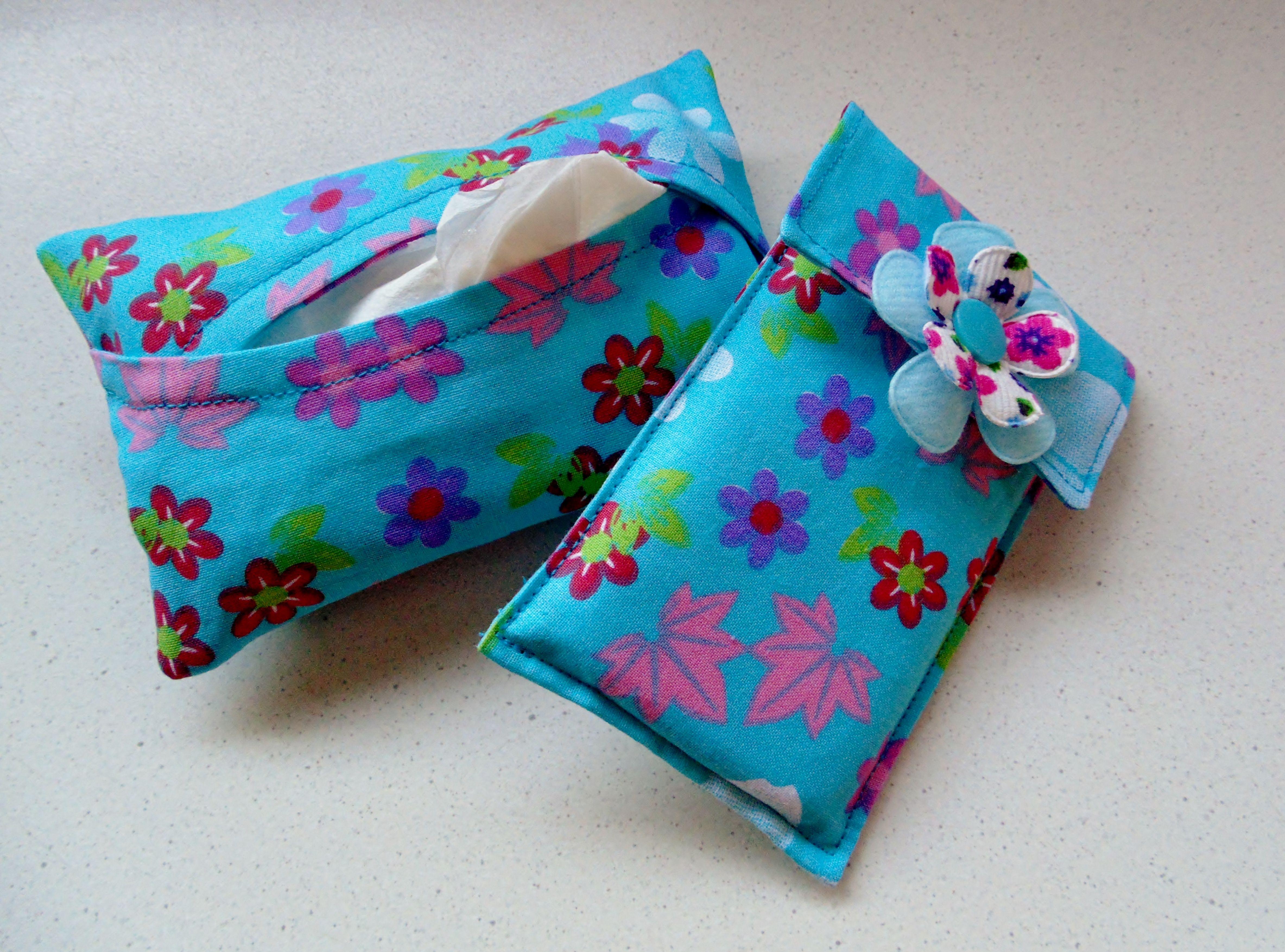 Gsm hoesje en zakdoekjes hoesje kleine cadeaus zelf for Kleine vijverfilter zelf maken