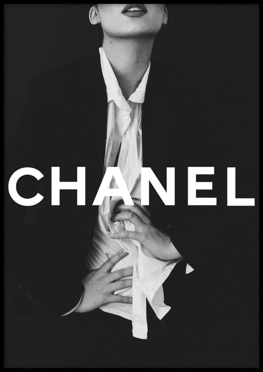 Chanel Girl Poster En 2020 Affiche Chanel Image Noir Et Blanc Fond D Ecran Noir Et Blanc