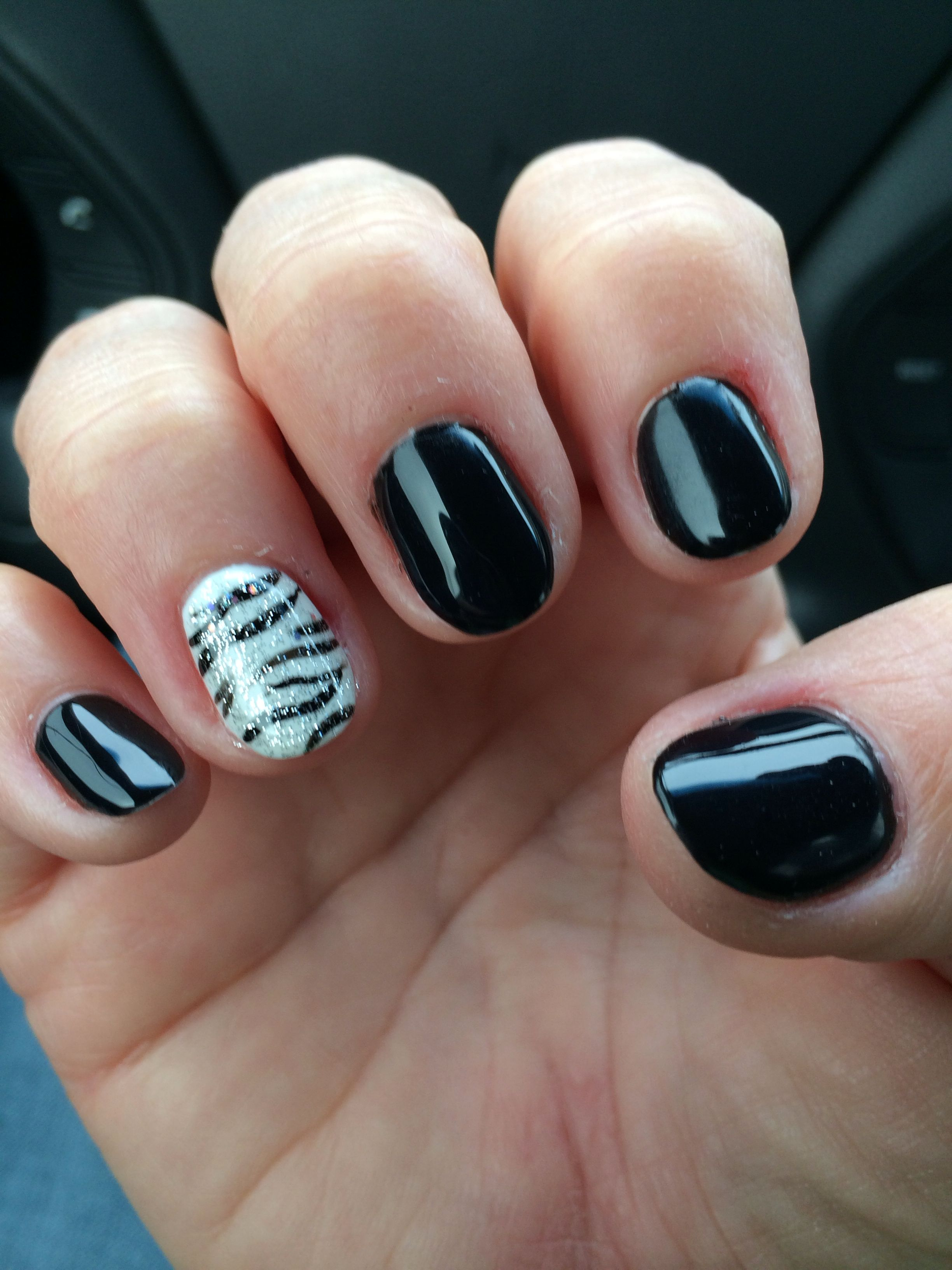 Black Zebra gel design by my amazing nail girl Michelle at Hi ...
