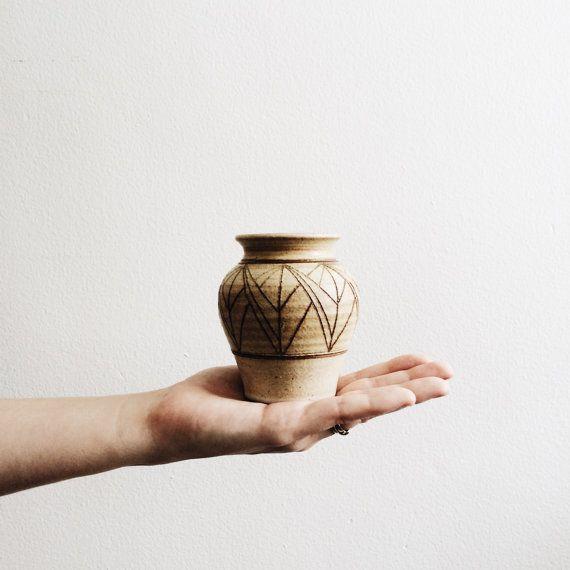 arlee park // handmade ceramic pottery vase with geometric shapes