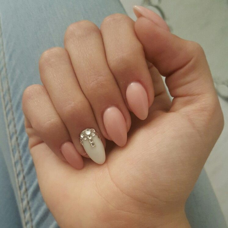Almond Shaped White Acrylic Nails White Acrylic Nails Almond Acrylic Nails Nails