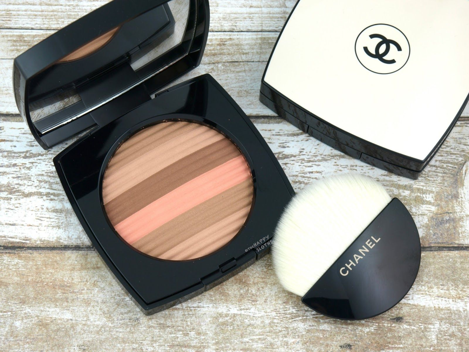 02a114a124e Chanel Les Beiges Healthy Glow Luminous Multi-Color Powder in