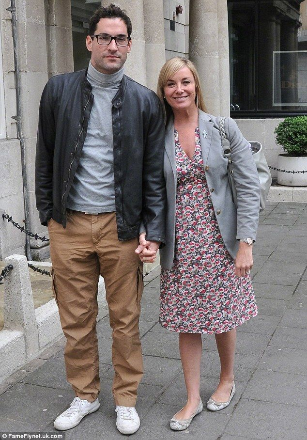 Tamzin Outhwaite 'files for divorce from cheating husband ...