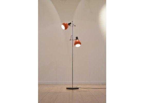 die besten 25 stehlampe schwarz ideen auf pinterest ikea stehlampe stehleuchte schwarz und. Black Bedroom Furniture Sets. Home Design Ideas