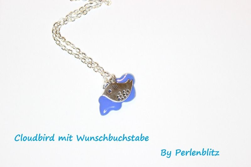 persönliche Spatz-Kette Wolke Wunschfarbe von Perlenblitz auf DaWanda.com