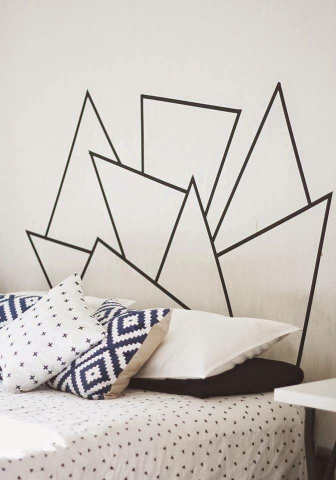 une t te de lit graphique r alis e gr ce du masking tape un chouette diy chambre. Black Bedroom Furniture Sets. Home Design Ideas
