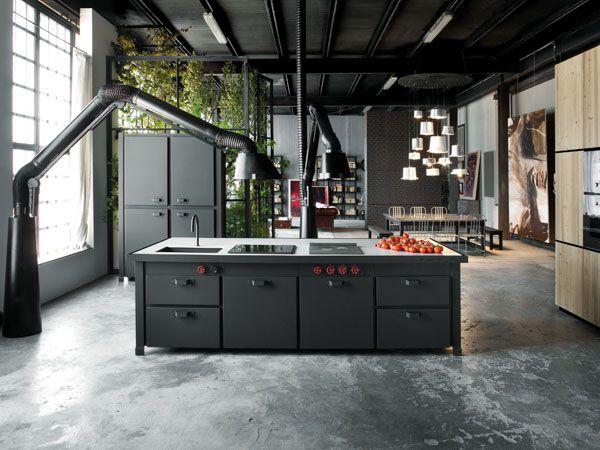 Keuken Zwart Stoere : Iedereen is een keukenprins in deze stoere zwart matte keuken van