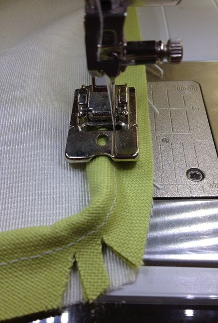 Piping: How to Make and Insert Covered Cord | WeAllSew