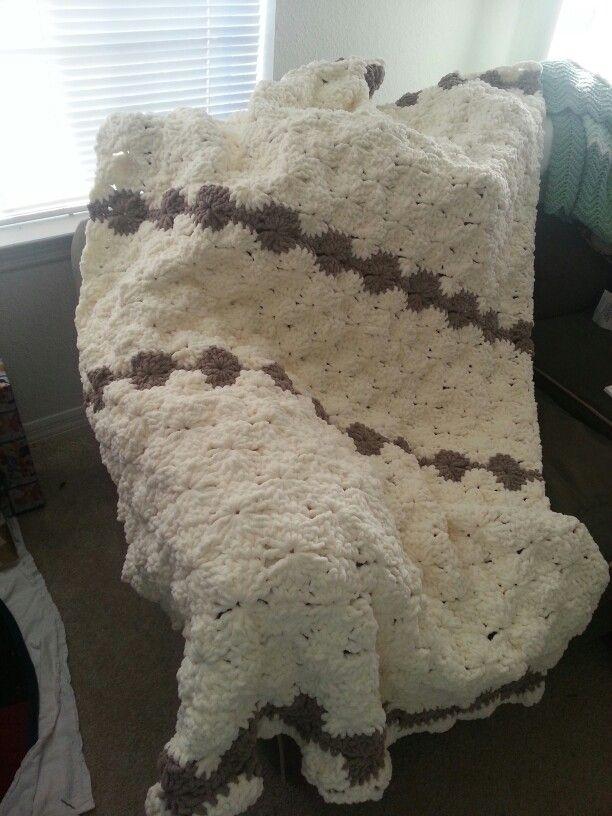 Bernat blanket big wheel blanket (Michaels) crochet blanket. Free ...