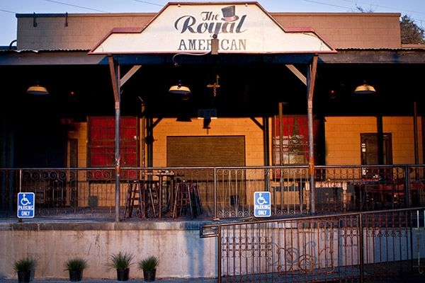 The Royal American Home Charleston Outdoor Dining