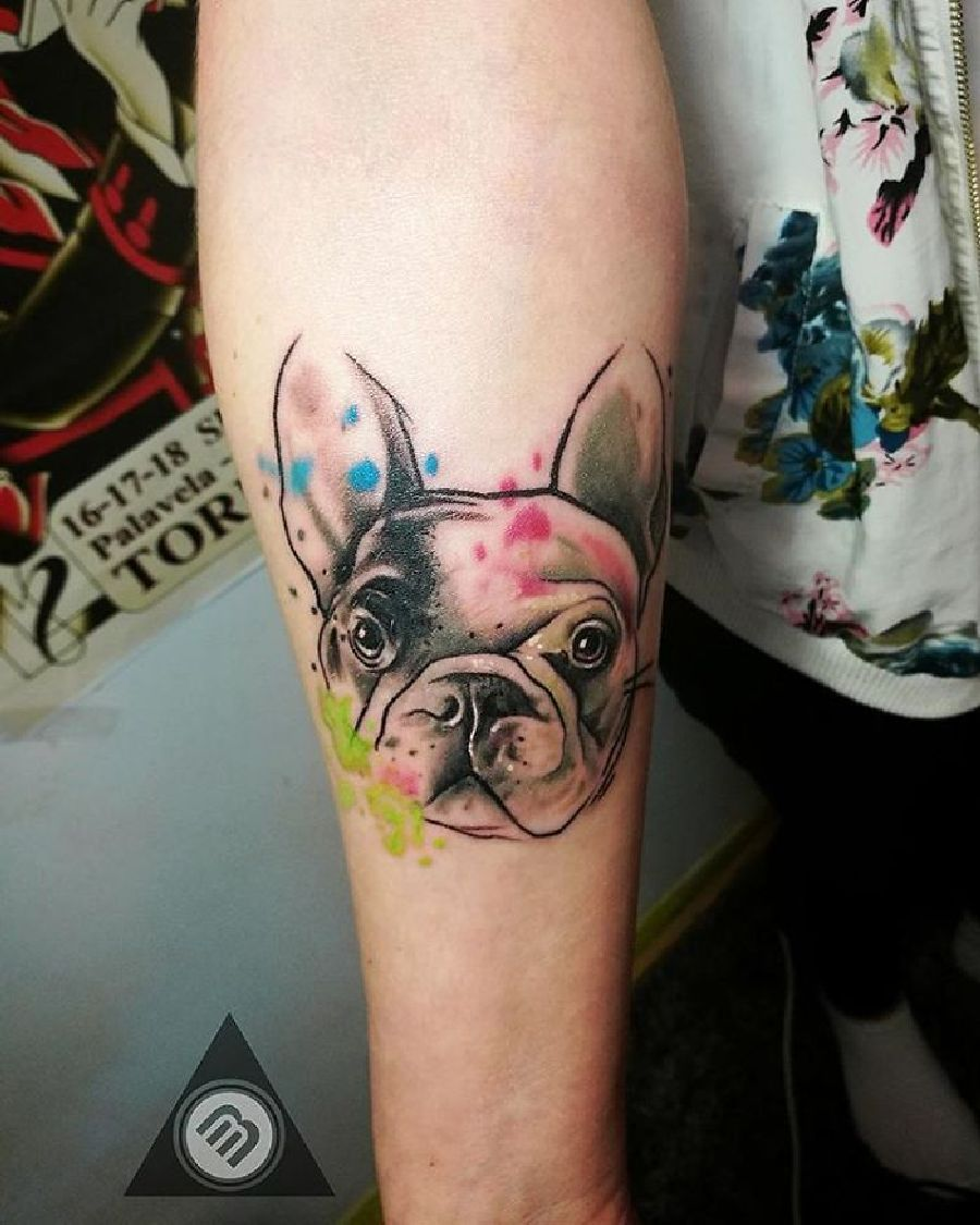 die besten hunde tattoo ideen arm hund tattoo tattoo ideen und hunde tattoos. Black Bedroom Furniture Sets. Home Design Ideas