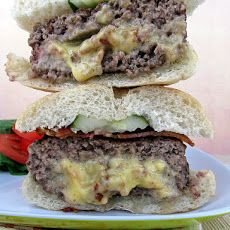 Bacon and Cheese Stuffed Burgers (Jucy Lucy Burgers)