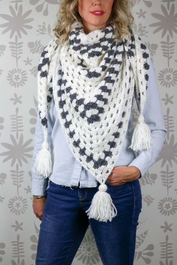 Newsprint Crochet Granny Stitch Shawl - free pattern! | crochet ...