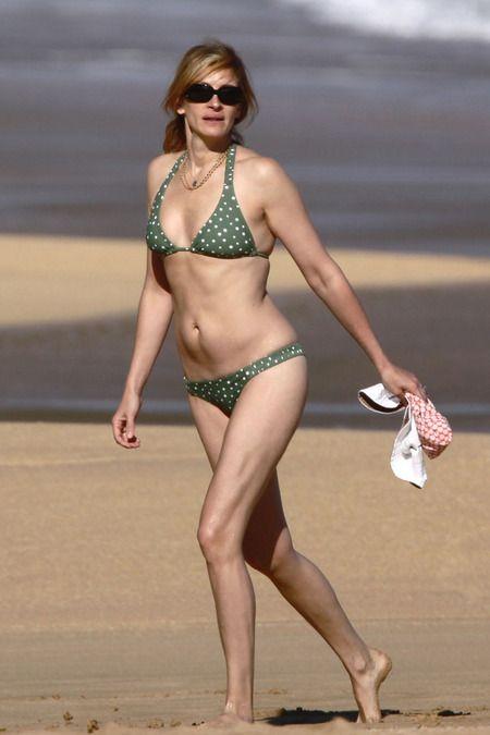 Julia roberts green bikini
