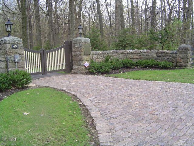 Pictures Of Driveway Entrances Brick And Cobblestone Paver