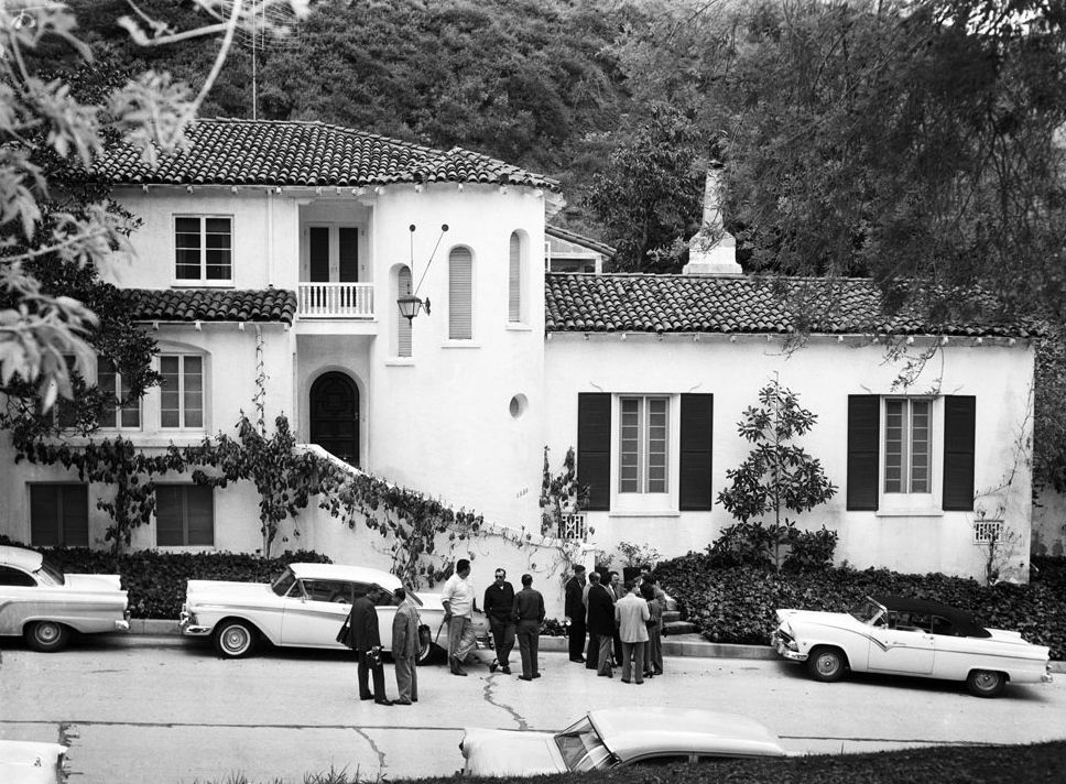 Producer Mike Todd and Elizabeth Taylor's house at 1330 Schuyler Drive, Beverly Hills, on the day his private plane crashed (March 22, 1958)