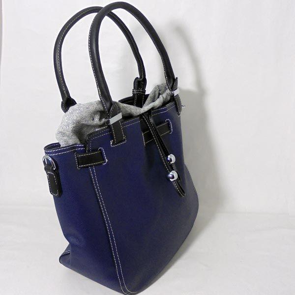 58b2cdb9e Bolso azul y negro borlas.. #bolso #accesorios #complementos #comprar #