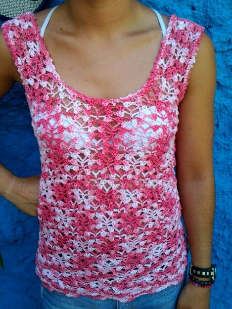 Camiseta de verano en diferentes tonos rosas