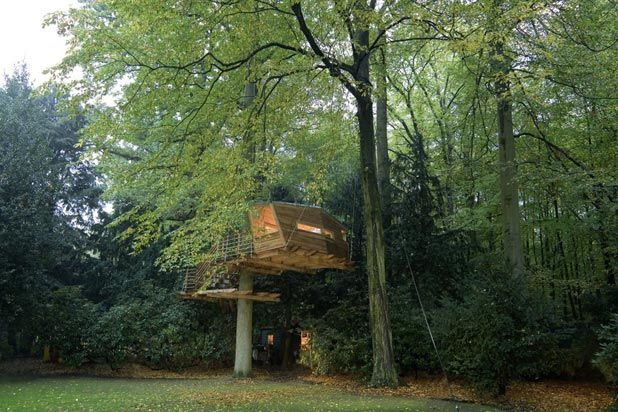 Baumhaus Hannover hannover eilenriede baumhaus im wald hanover germany hannover