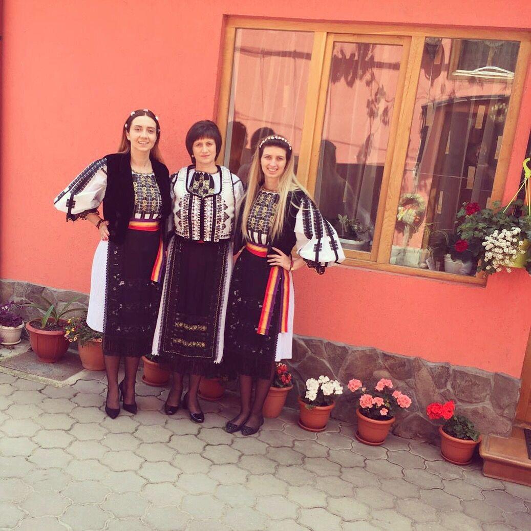 Romanian traditional attire for women in Transylvania !love it