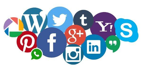 عشر فوائد من التواصل الاجتماعي لمؤسستك التواصل الاجتماعي انستقرام تويتر فيسبوك سناب يوتيوب فوائد قراءة اعلانات التجارة الالكترونية الاعلام الالكتروني