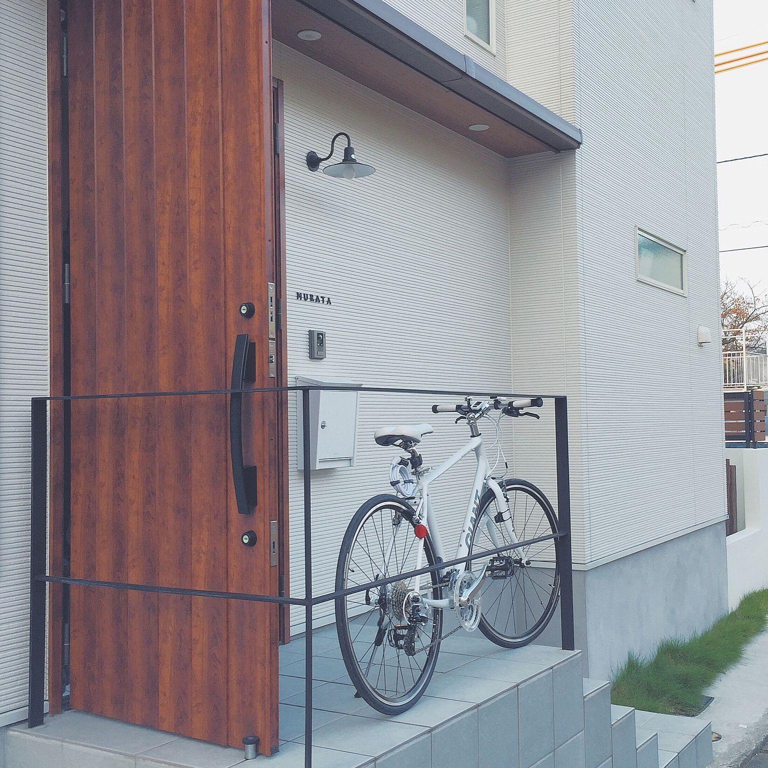 玄関 入り口 自転車 ジャイアント 笠松電機 ブラバンシア などのインテリア実例 2015 11 23 22 36 38 Roomclip ルームクリップ ブラバンシア 玄関 玄関 表札