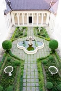 hidden courtyard in a birds eye view urban garden designbirds - Garden Design Birds Eye View