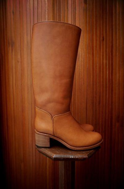 A.P.C. ( FRANCE ) IRIS BOOTS www.lanah.com